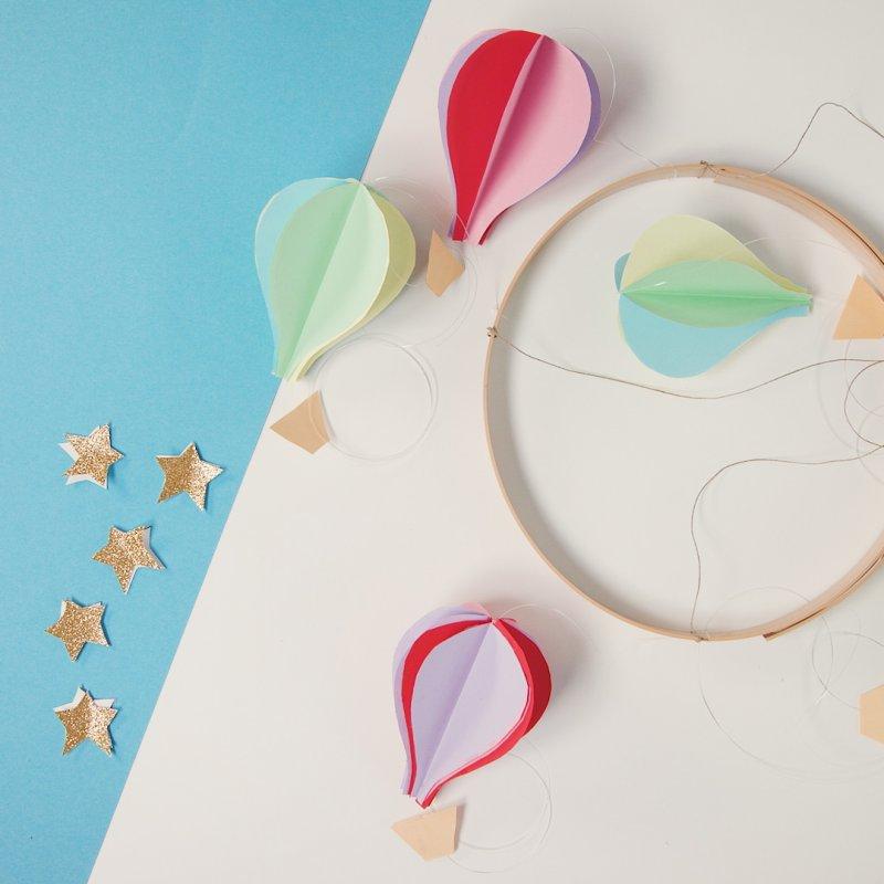 baby mobile selber basteln - ballons aus papier